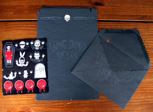 Living Dead Dolls stationery set