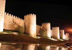 Muralla de Ávila nocturna por Fuen446_José Francisco