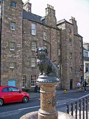 Bobby (Rubn Hoya) Tags: uk dog monument scotland edinburgh monumento united kingdom escocia perro bobby gran edimburgo reino unido bretaa scotlanda