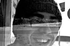 Meu primo e o mar (Fernanda Grigolin) Tags: praia mar portobelo inverno fernandagrigolin thiagomoraespaztor