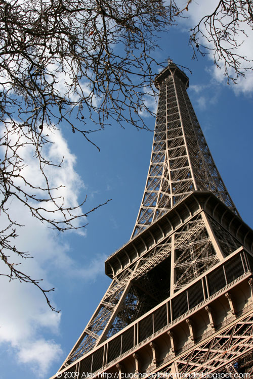 Eiffel e nuvole