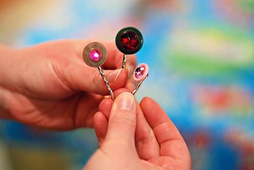 button hairclips