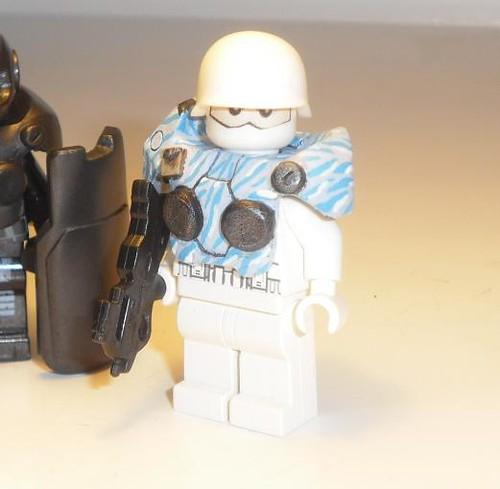 H013 winter CQC trooper custom minifig