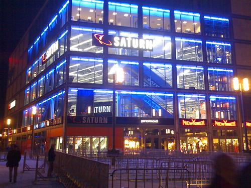 Saturn am Alex vor der Eröffnung