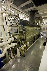 Tugboat Engine Room 9839.5 (Kurt Preissler) Tags: california boat room engine pacificocean tugboat tug losangelescounty portoflongbeach canoneos5d kurtpreissler preisslermediaservices sausebrothers klihyam