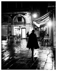 Venezia. Night, or just another time. (zaqi) Tags: europa europe voigtlander rangefinder 2009 bessar3a zaqi blueribbonwinner filmisnotdead leicasummicron50mmf20rigid
