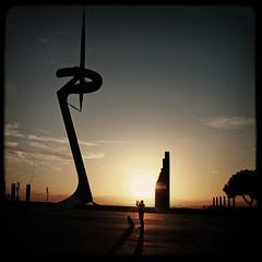 Montjuc sunset (fertraban) Tags: barcelona sunset atardecer perro puestadesol catalua fer montjuc telefnica ltytr1 torredetelecomunicaciones