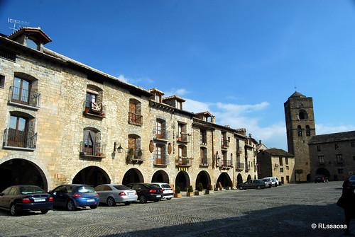 Aínsa, Huesca by Rufino Lasaosa