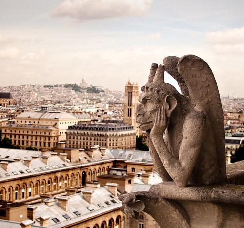 フリー画像| 人工風景| オブジェ|  彫刻/彫像| ガーゴイル| フランス風景| パリ|     フリー素材|