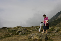 Nasía pa ezcalá (Leandro MA) Tags: paraguas montañeros leandroma valdarán