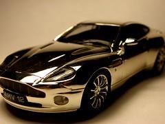 Vanquish (Patxi Larrauri) Tags: macro olympus coche carro astonmartin uz vanquish sp565
