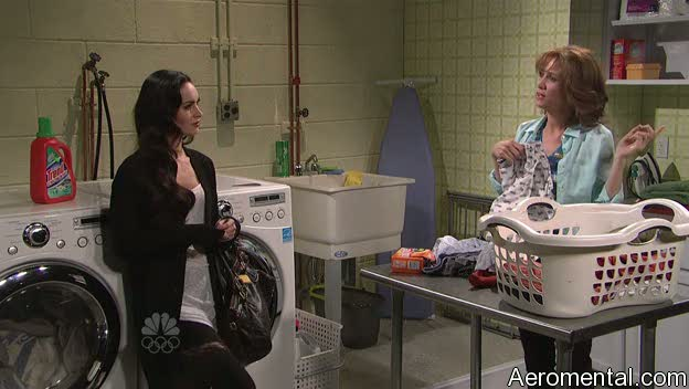 Megan Fox SNL habla con tu mamá