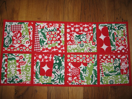 tablerunner funky christmas