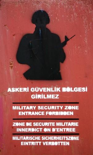 Yardım: Askeri Bölge Girilmez