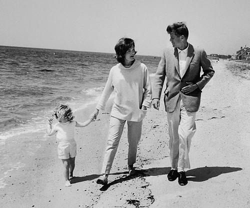 John-and-Jackie-Kennedy