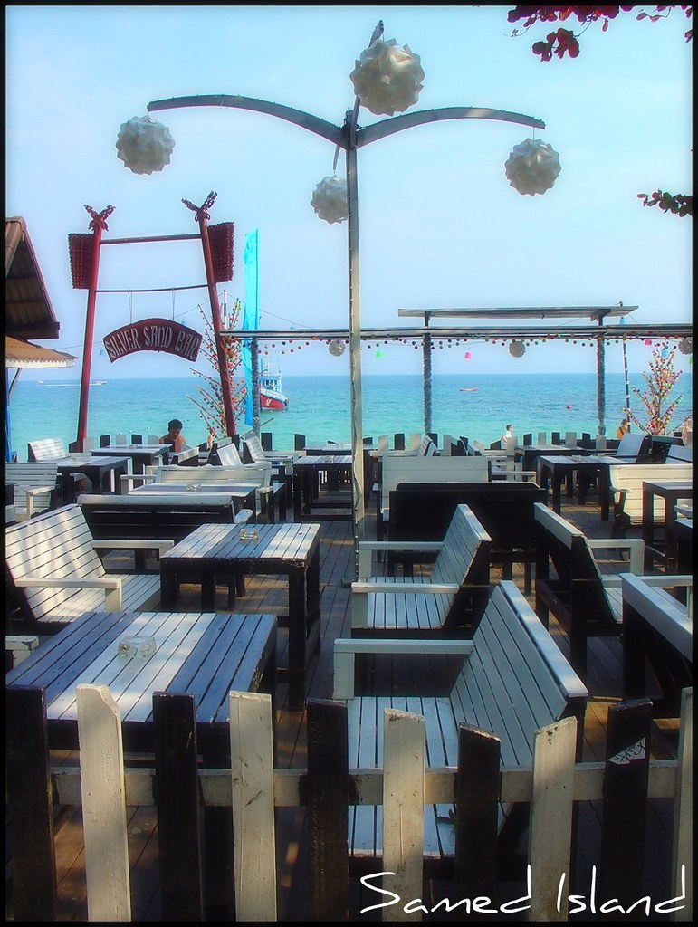 Samed Island - nice lunch in Silver Sand