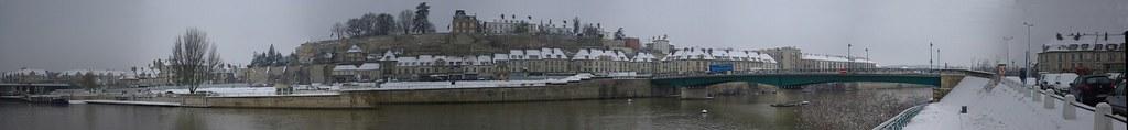 Pontoise sous la neige
