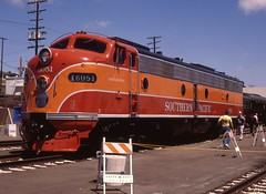 Souther Pacific EMD E8 (old_skool_metal_head) Tags: railroad robert diesel  locomotive e8 southernpacific emd diesellocomotive escue emde8