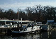 """Die """"Sirius""""... (bayernernst) Tags: berlin boats deutschland see boat wasser 2008 schiff märz wannsee schlepper workboats berlinzehlendorf berlinwannsee sesonal meinberlin flickrblick 10032008 snc15601"""