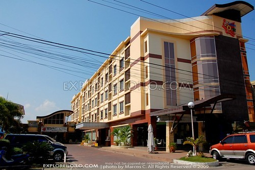 Smallville   Iloilos Nightlife Hotel Center