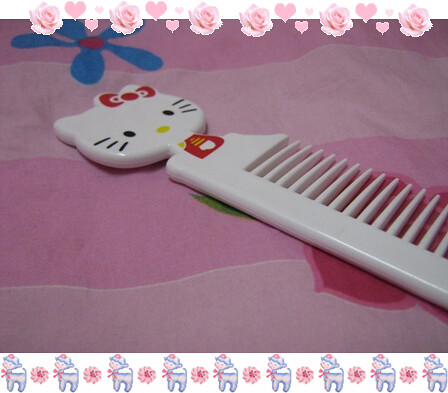 hello kitty haircomb