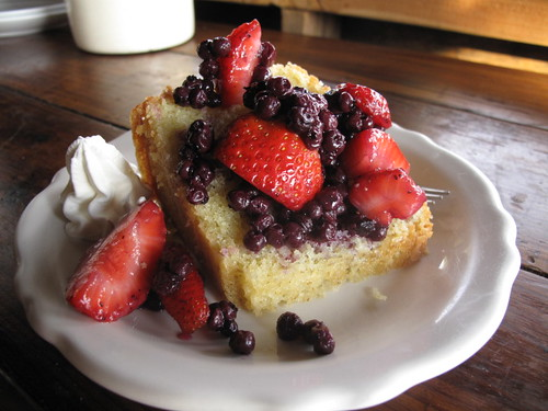 Poundcake with Berries and Whipped Cream