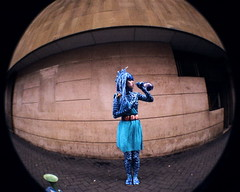Blue Girl Street Performer (Nick van Gelder) Tags: street blue art girl concrette