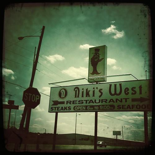 Niki's West, Bham Al