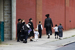 Satmar Family, Brooklyn (johnwilliamsphd) Tags: nyc newyorkcity family copyright newyork brooklyn john williams c williamsburg jew jewish hasidic  300000 satmar williams john johncwilliams johnwilliamsphd phd