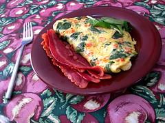 Brekkie *for* brekkie (Lorenia) Tags: food usa breakfast bacon florida egg huevos eggs fl desayuno huevo omelette omelet brekkie merrittisland foodpr0n omelete turkeybacon tocino 20090117 tocinodepavo