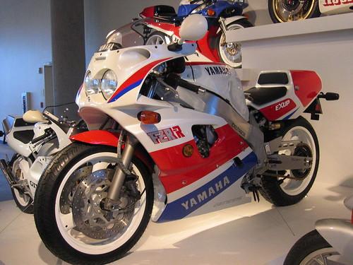 Yamaha FZR750-RR OW-01