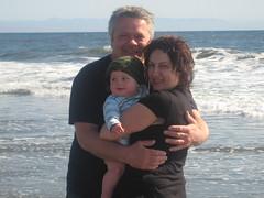 Mum, Dad, Son at Twin lakes Beach (William Morris) Tags: santacruz beach twinlakes