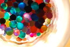 Big Bang: el inicio de todo (Imthepassenger) Tags: light macro luz glass contraluz colours balls things colores cosas bolas universe bigbang  universo macrophotograpy