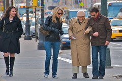 The kindness of strangers (Ed Yourdon) Tags: newyork smile sunglasses couple boots manhattan strangers appreciation elderly age kindness murray gentleman helping centralparkwest graciousness kindnessofstrangers elderlygentleman