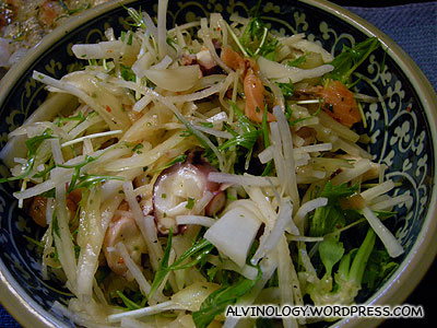 Another bowl of salad with octopus inside