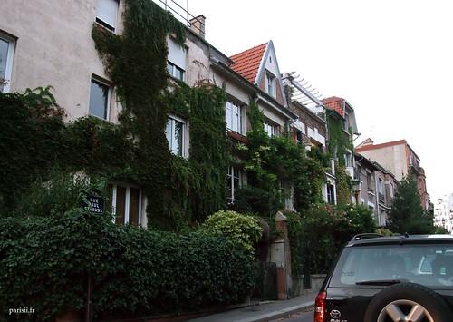 Tout le quartier est très fleuri et verdoyant. Si cest comme ça en hiver, imaginez en été :)