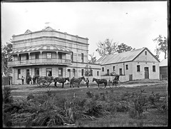Arthur Norths Killingworth Hotel, Killingworth, NSW, 1903 (Cultural Collections, University of Newcastle) Tags: hotel pub australia nsw newsouthwales lakemacquarie 1903 killingworth ralphsnowball snowballcollection ralphsnowballcollection killingworthhotel killingworthhall asgn0678b28 arthurnorth newcastleregionnswhistorypictorialworks hotelsnewsouthwales photographynewsouthwalesnewcastle