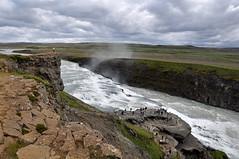 Hvt vi Gullfoss (Sig Holm) Tags: island waterfall iceland islandia foss gullfoss 2009 sland islande icelandic islanda hvta ijsland islanti     slenskt
