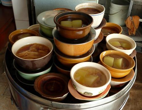 פאק קייאו במרק סיני באידוי כפול