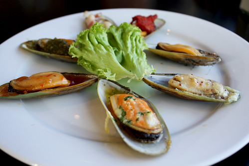 Mussel Sample Platter