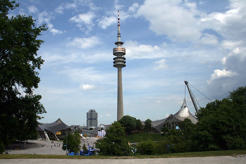 Olympiaturm aus dem Stadium heraus gesehen