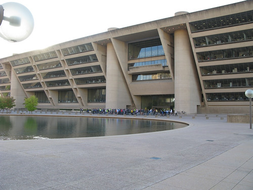 Dallas City Hall & Plaza (by: HooverStreetStudios/Chris Zuniga, creative commons license)