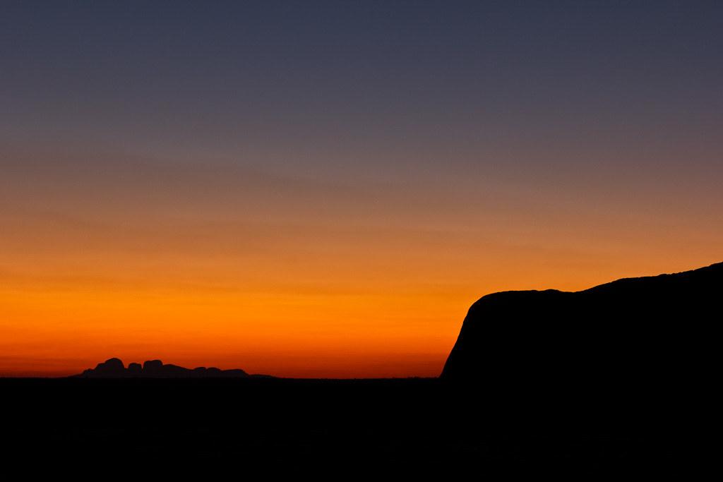 J16 / Silhouette : Uluru - Kata Tjuta National Park