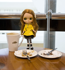 Coffee & Cake in Cafe Nero (s.l.j *Sam*) Tags: coffee yellow cake manchester blythe raincoat thetriangle cafenero powwowponcho rainmac
