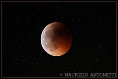 Red Moon (Total eclypse of the moon, June 15, 2011 at 22.01 PM) (BlueMaury - very busy) Tags: red moon luna total eclypse rossa eclisse maurizioantonetti 15062011