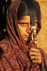 the jat - a hidden tribe in gujarat (Retlaw Snellac Photography) Tags: travel people woman india tourism girl photography photo indian tribal nosering tribe ethnic islamic gujarat kutch bhuj jat hodka gujaratvisuals dhanetajat