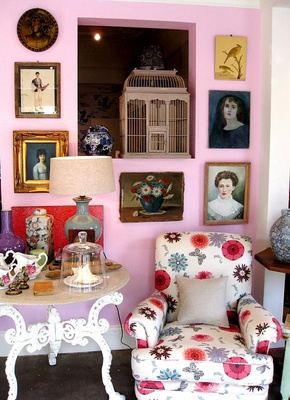 3269112053 ff44d15c0a o A few of my favorite pink rooms