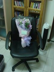 purple v-day flowers!!