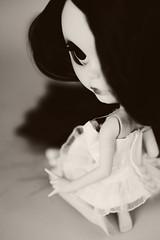 Mang B&W (r e n a t a) Tags: pink macro cute canon doll rosa plastic geisha kawaii blythe  boneca custom takara plstico gueixa customizada extrahands pureneemobody elianasaito lilitix custombylilitix