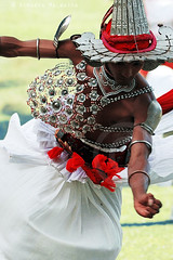 Tradition (Hiranya Malwatta) Tags: dance traditional dancer lanka srilanka kandyan udarata wesnatum hiranyagroupb